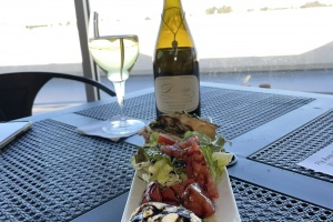 woodys-restaurant-bar-monterey-airport-chef-tim-wood-owned-11