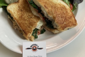 woodys-restaurant-bar-monterey-airport-chef-tim-wood-owned-18